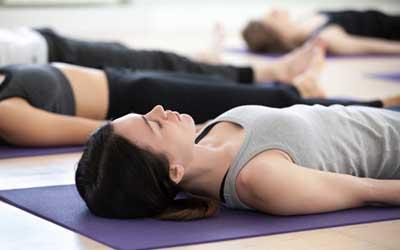 Aula de Yoga Nidra da B-Zen