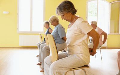 Yoga na Cadeira para Idosos da B-Zen