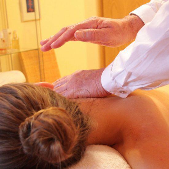 O Reiki como um processo de cura alternativo